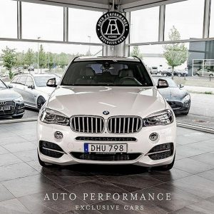 BMW X5 M50D Från 3293